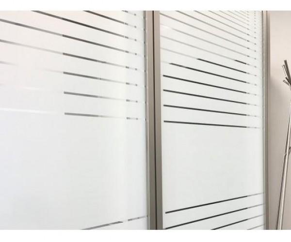 Дизайнерские пленки SOLAR SCREEN® иней линиями The Strada, с паттерном из непрозрачных горизонтальных полос